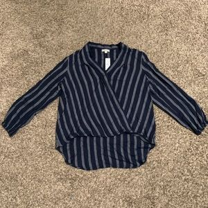 Long sleeve high/low stripped cotton blouse.